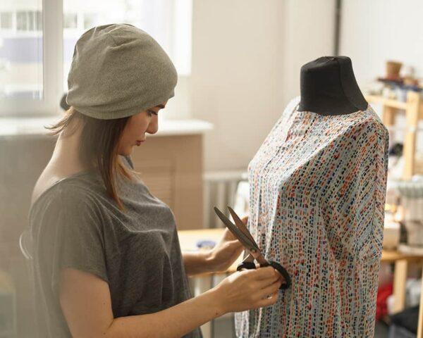 Descubre el Máster en Patronaje y Diseño de Moda + Máster Personal Shopper y conviértete en estilista de moda profesional.