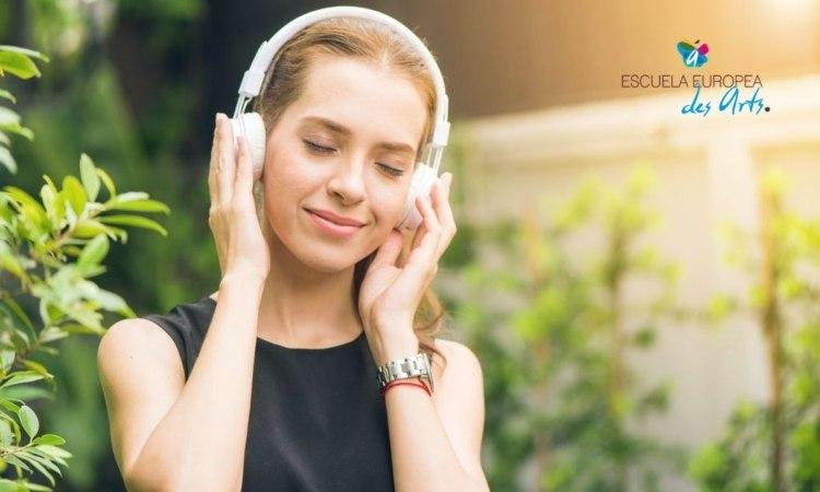 Conoce las actividades de musicoterapia y sus beneficios en niños y adultos