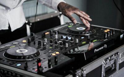 ¿Cómo ser DJ? Todo lo que debes saber para empezar