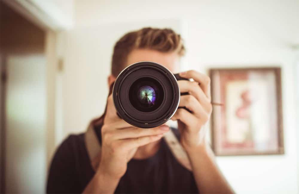 Explicamos qué es la fotografía conceptual y cómo practicarla