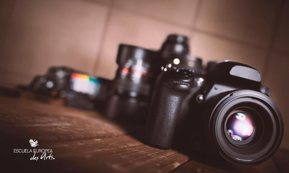 Te explicamos el origen de la fotografía digital y algunos consejos para tomar tus fotografías.