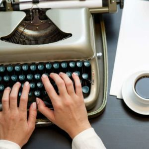 Aprende las técnicas narrativas para el desarrollo literario con el Taller de Teatro: Escritura Dramática